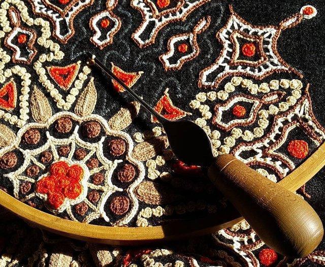 سوزن دوزی، بهاری روی لباس زنان لر