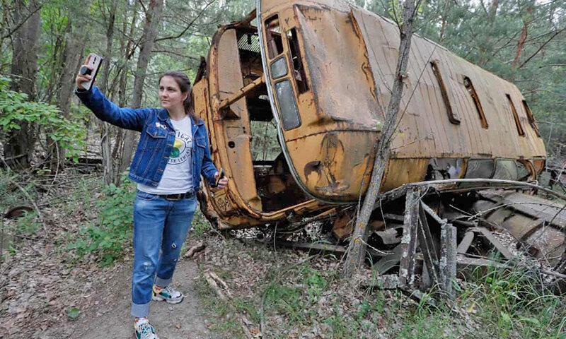 توصیه نویسنده چرنوبیل ، گردشگران اینستاگرامی به فاجعه هسته ای احترام بگذارند