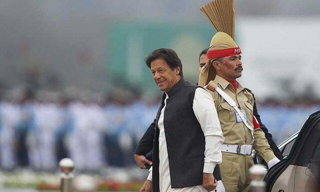 نخست وزیر و رئیس ارتش پاکستان به مرز کشمیر رفتند