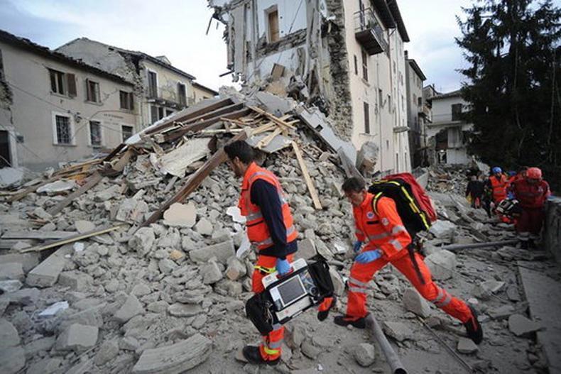 زلزله شدید در شهر پروجای ایتالیا تا کنون 6 کشته برجای گذاشته است