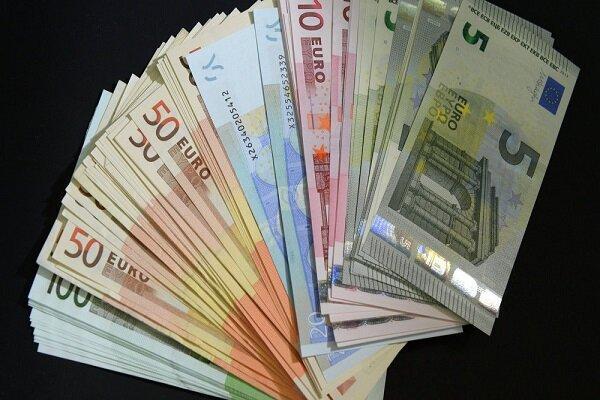 جزئیات نرخ رسمی انواع ارز، نرخ رسمی یورو و پوند افزایش یافت