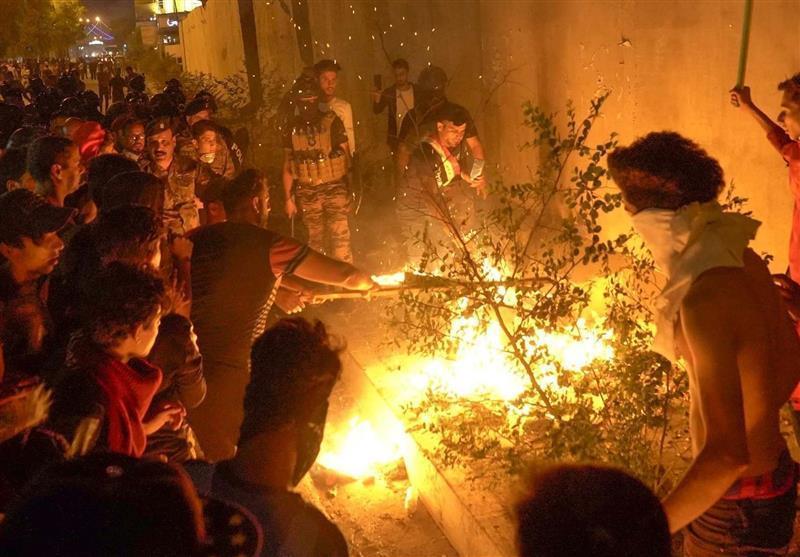 حمله اغتشاشگران به کنسولگری ایران در نجف اشرف، اعلام منع آمد و شد در نجف