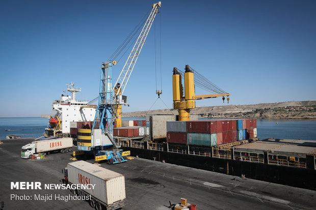 امضای توافقنامه کشتیرانی ایران-عمان، تعرفه های بندری کاهش یافت