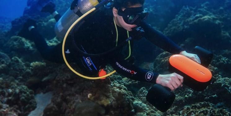 با اسکوتر زیرآبی به عمق دریا بروید