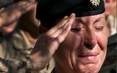 خودکشی در میان نظامیان کانادایی به مرز هشدار رسیده است