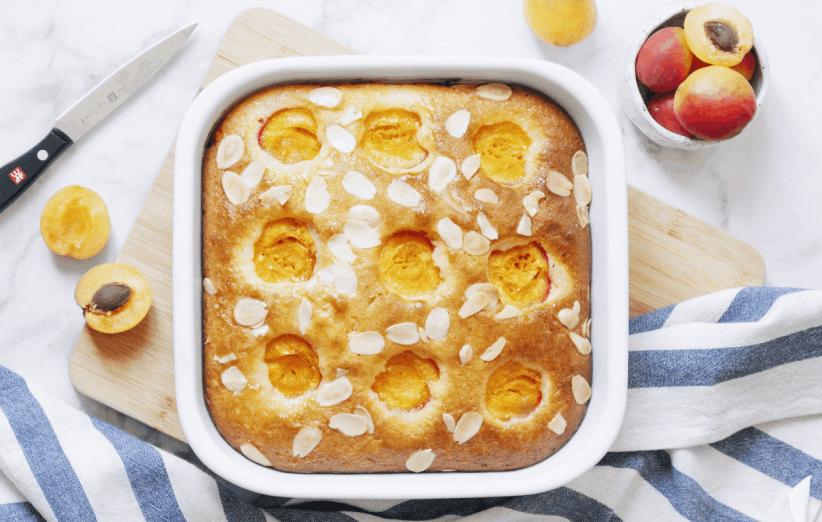 طرز تهیه کیک زردآلو با زردآلوی تازه