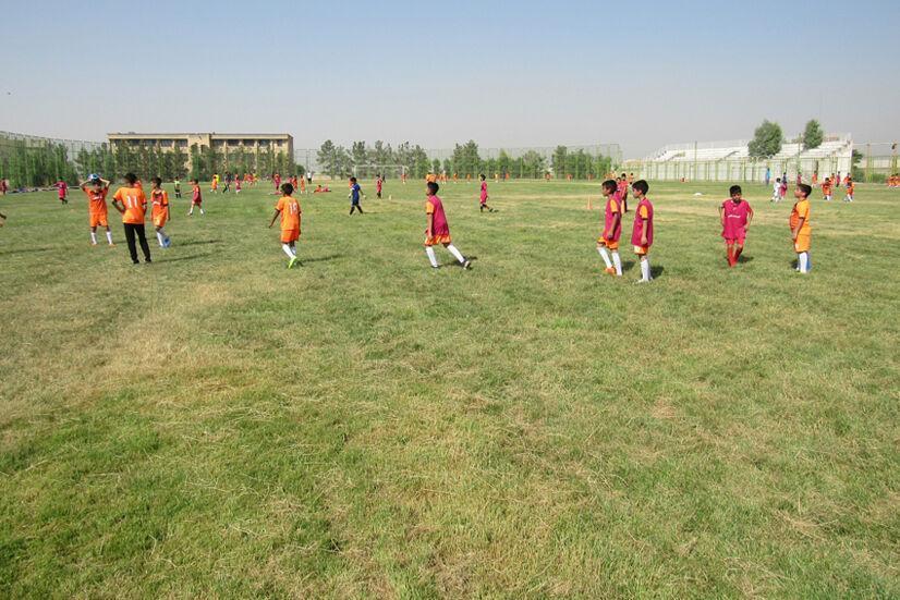 خبرنگاران سند مجموعه ورزشی شهید ملاآقایی قرچک به نام دولت صادر شد