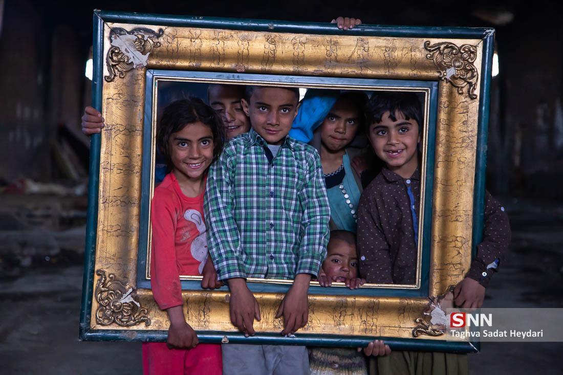 بچه ها تشنه سیستان و بلوچستان به بهانه آب، طعمه گاندو می شوند!