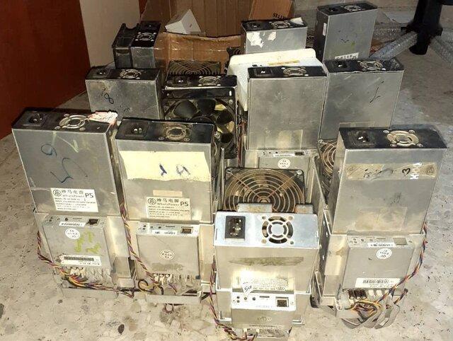 کشف 11 دستگاه استخراج ارز دیجیتال در بندرانزلی