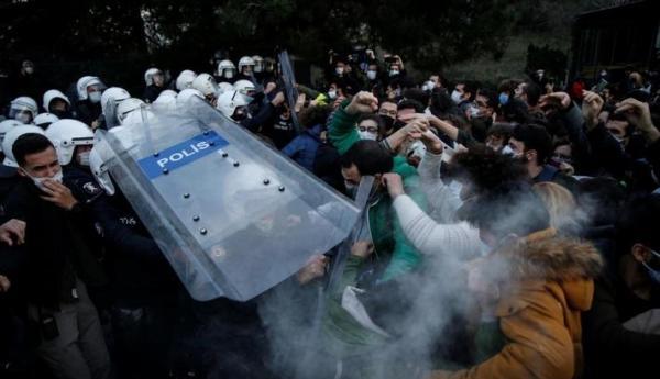 بازداشت 17 دانشجوی ترک پس از تظاهرات در دانشگاه
