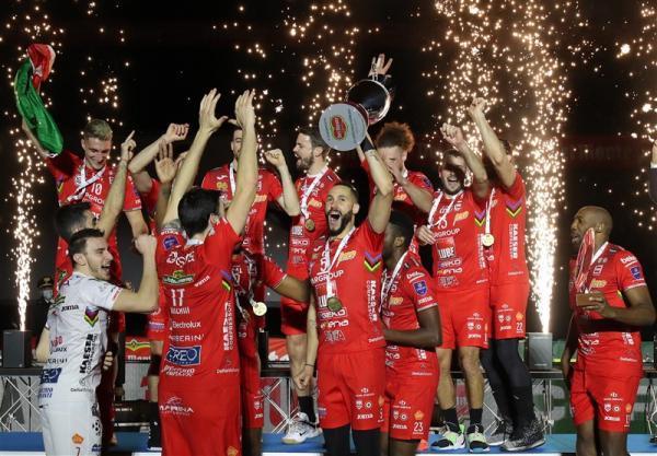 جام حذفی والیبال ایتالیا، لوبه قهرمان شد